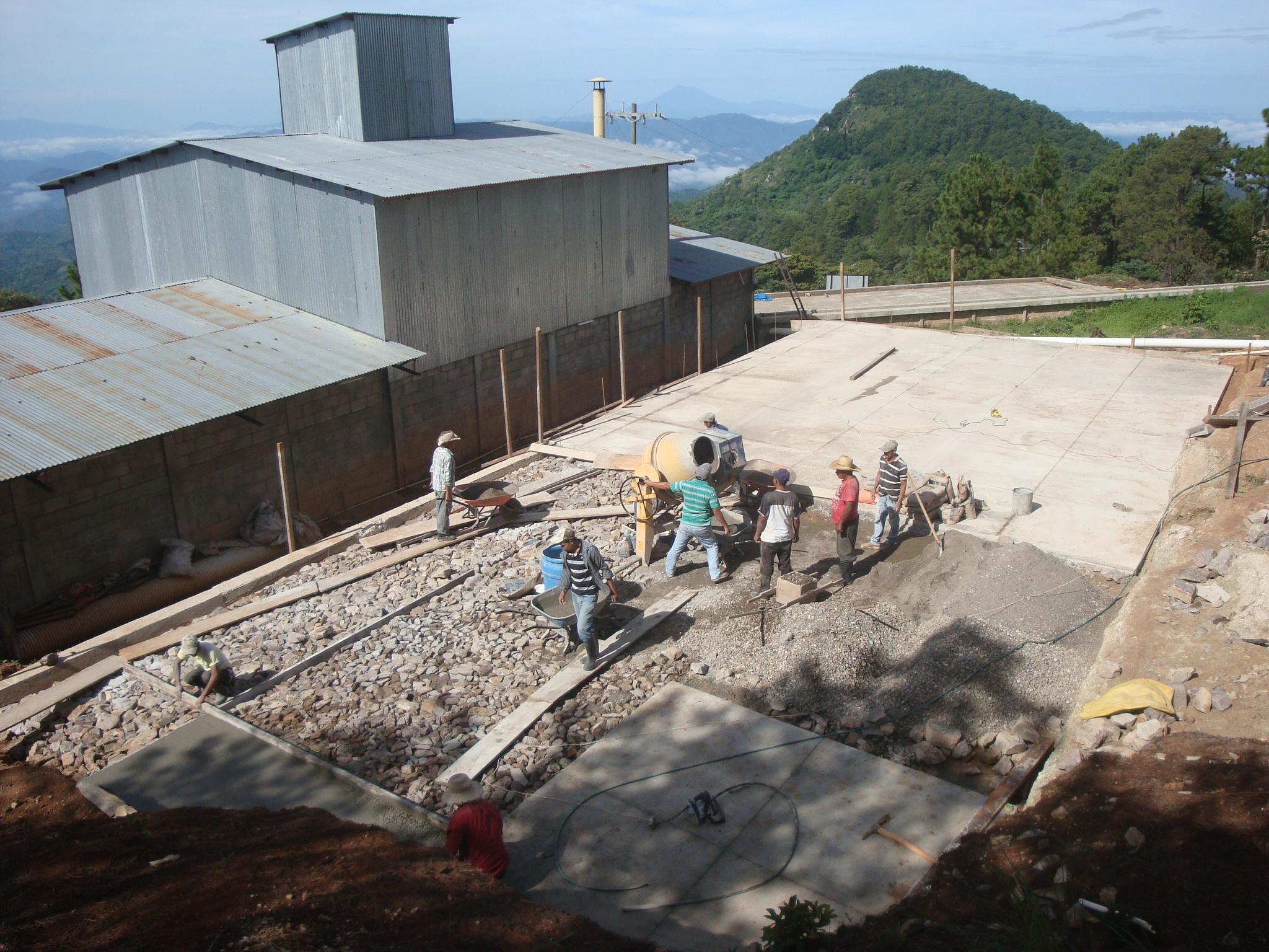 Construcción Patio Secado  de Café